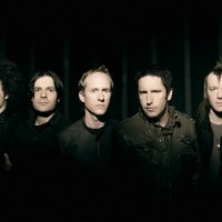 "Escucha ""Hesitation Marks"" de NIne Inch Nails"